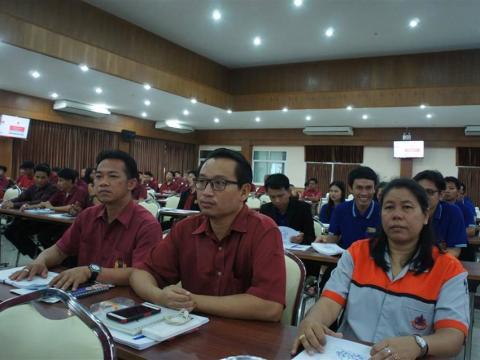 ประชุมสัมมนาสร้างความรู้ความเข้าใจการจัดทำแผนพัฒนาตนเองรายบุคคล