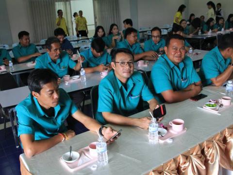 ผู้อำนวยการวิทยาลัยเทคนิคบูรพาปราจีน พร้อมด้วยคณะผู้บริหาร คณะคร