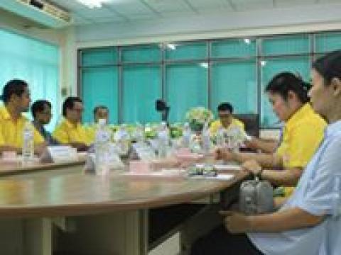 การประชุมคณะกรรมการบริหารชมรมผู้ปกครองและครู ฯ